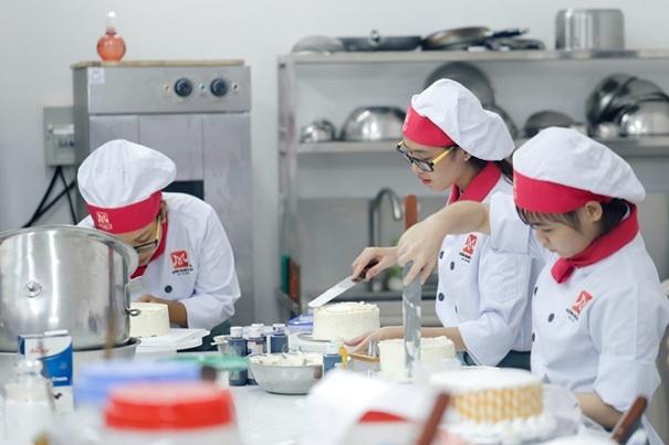 Du học sinh Việt Nam chọn nghề làm bánh của Hàn QUốc để theo học